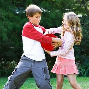 regressing-kids-fighting-redball